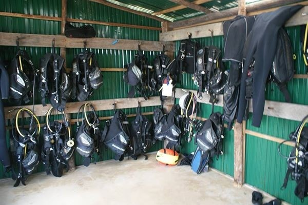 dive shed